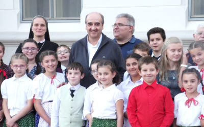 Father General visits the Calasanziane in Romania